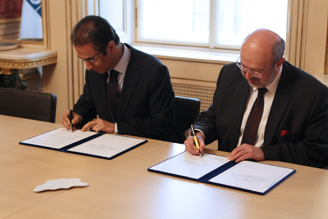 H.E. Ambassador Ayoob M. Erfani and H.E. Lamberto Zannier, Secretary General of the OSCE sign a Memorandum of Understanding