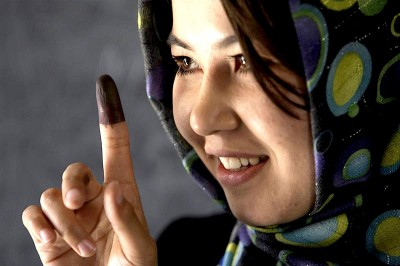 Woman voting-1